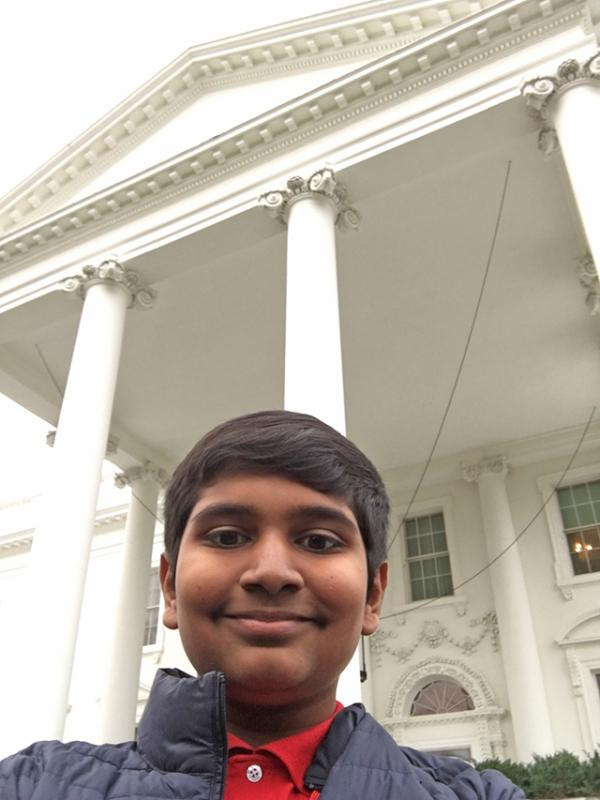 Manu in front of the White House