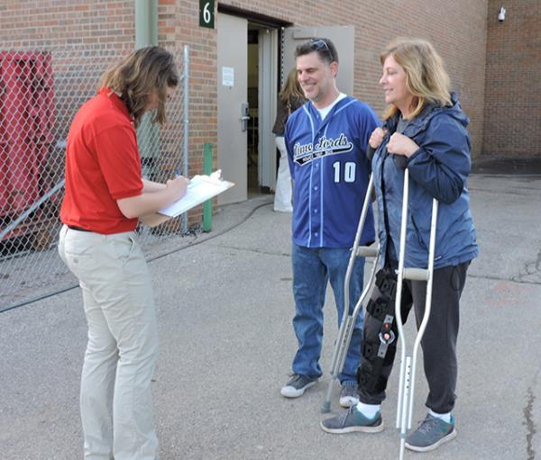 Kyra talks with Jill and Dave Cottone of Dublin, Ohio.