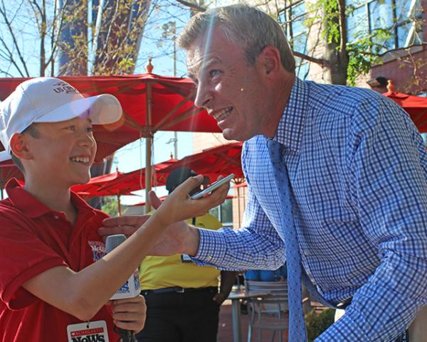 Max interviewing Tom Rinaldi, reporter for ESPN and ABC