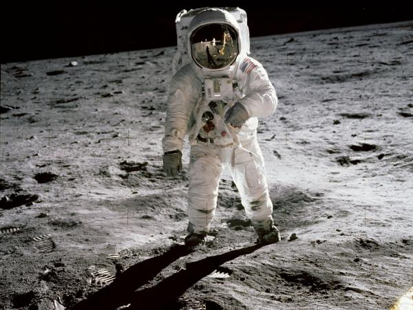 Shooting for the Moon—Again | Kid Reporters' Notebook | Scholastic Inc.