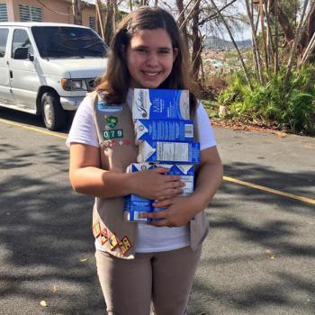 Aliana Arzola-Piñero delivers supplies in San Juan