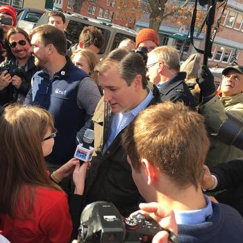 Kaitlin interviews Republican candidate Ted Cruz outside the Red Arrow Diner in Manchester, New Hampshire.
