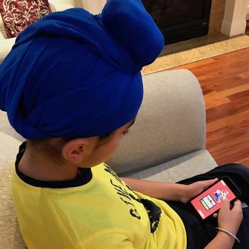 Munveer Singh plays Super Mario Run.