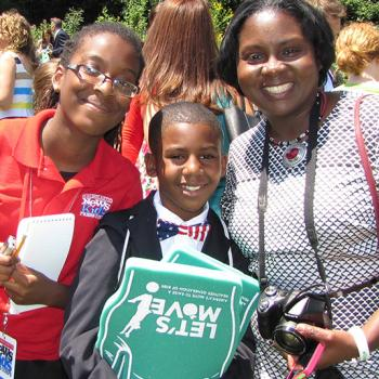 Kid Reporter Abigail Wilson-Kageni with Sam Davis and his mother, Roslyn